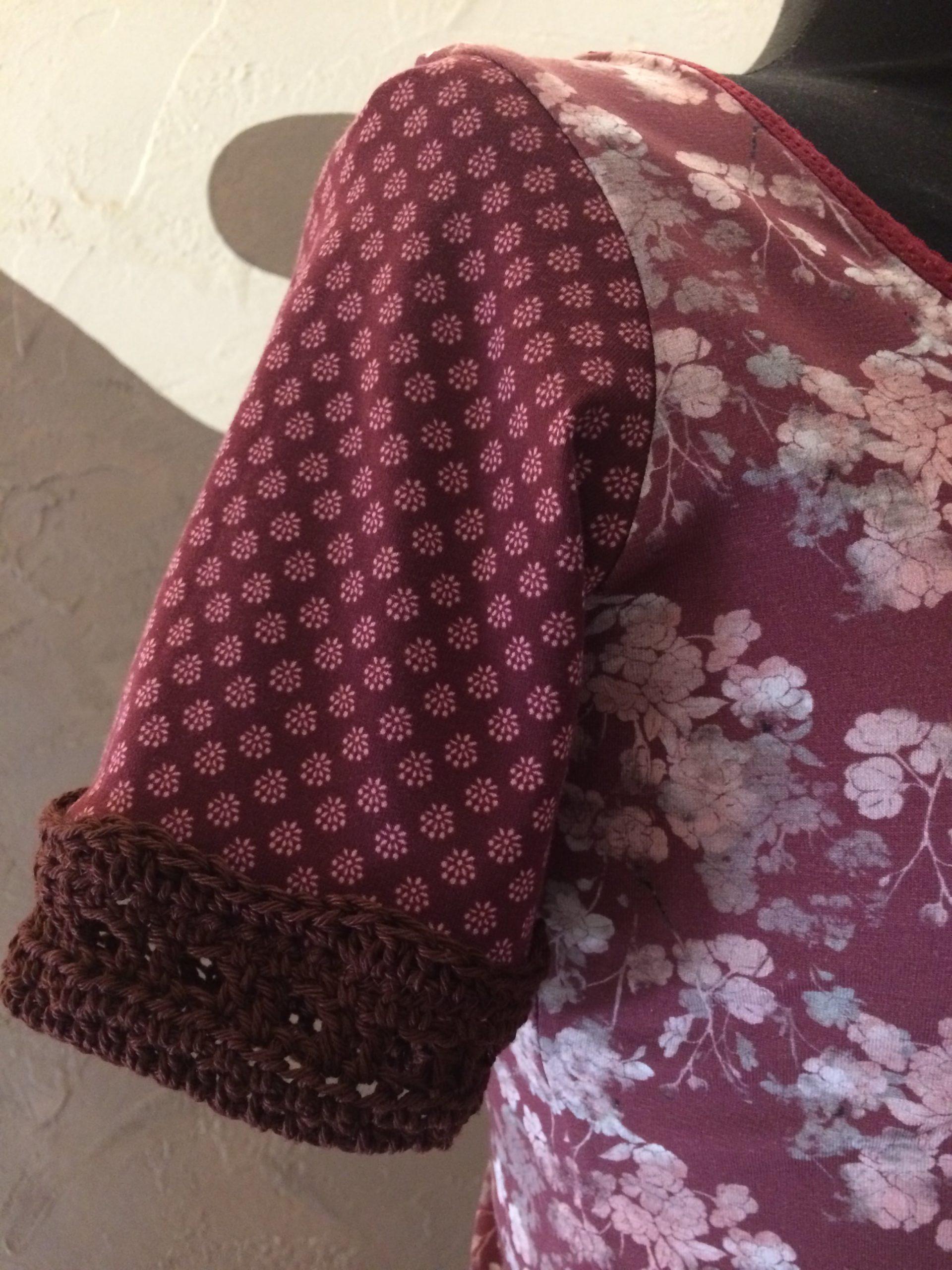 Manche Robe Framboise et bordeaux